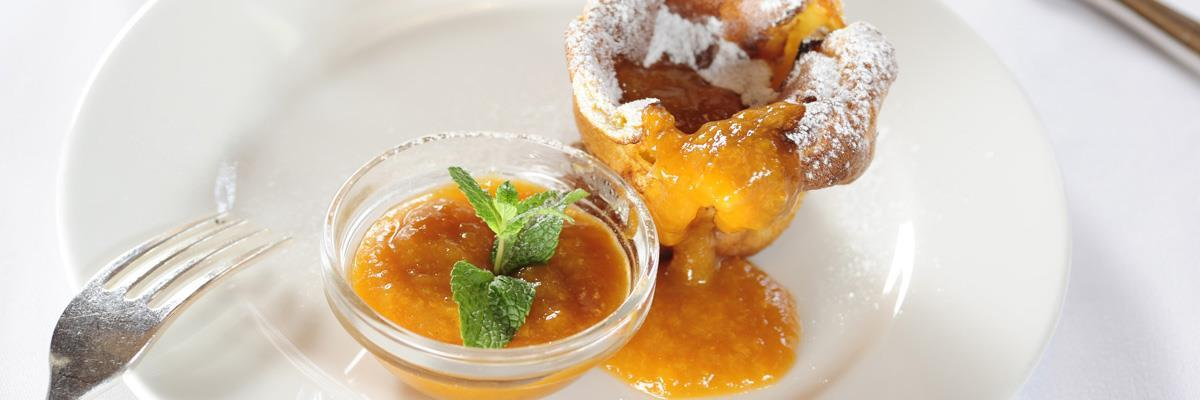 Pear-vanilla gratin with apricot jam from South Tyrol