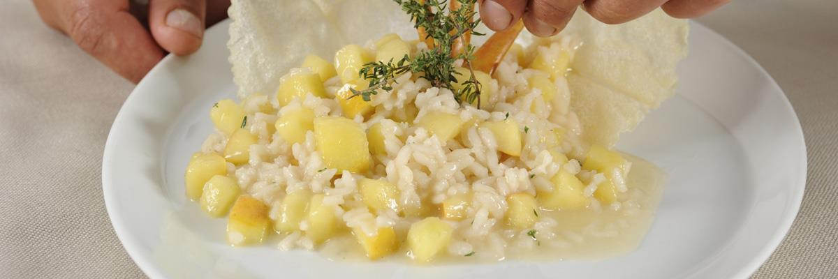 Risotto with apples and thyme