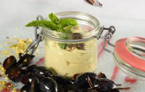 Grappa mousse with marinated South Tyrolean grapes